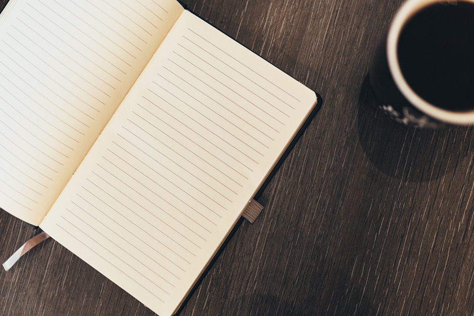 10 benefits of using a diary or journal and writing with pen and paper